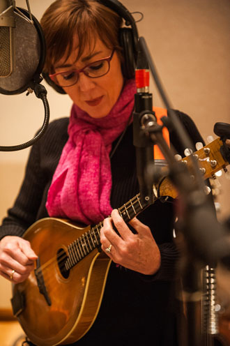 jonatha-brooke-2-mandolin