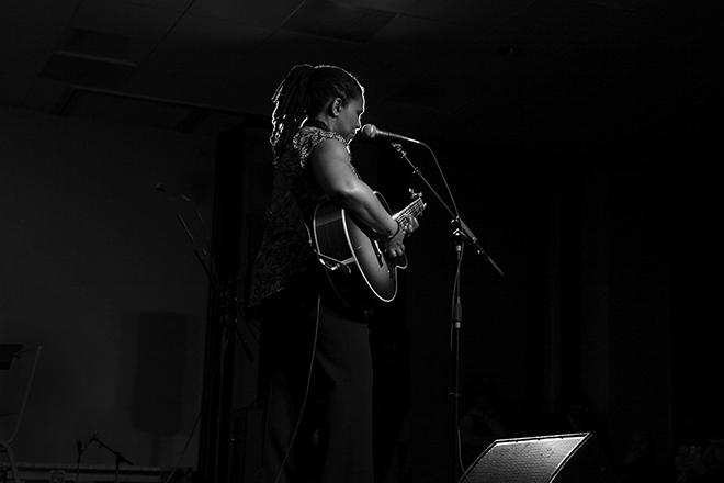 Ruthie Foster-03 - photo credit Jeff Fasano