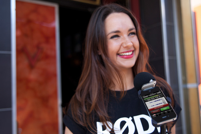 The RØDE iXY stereo microphone and RØDE Rec audio recording app used for street interviews