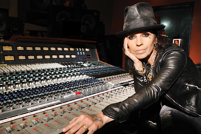 No40-Linda-Perry