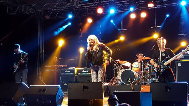 greg-friia-04-bonnie-tyler-live-in-concert