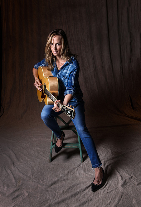 chely-wright5628mmagfinal