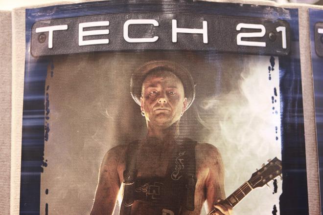 367-TECH21-2000-res