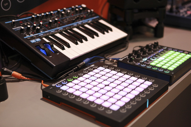 476-NOVATION-2000-res