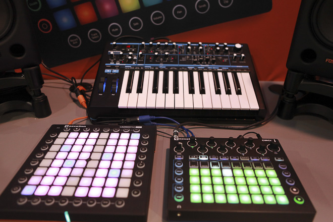477-NOVATION-2000-res