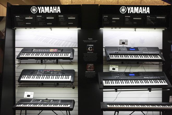 639-YAMAHA-2000-res