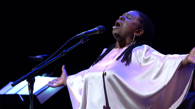 Ruthie Foster-05 - photo courtesy of Blue Corn Music